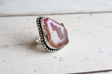 Beautiful Pink agate silver overlay ringsize O