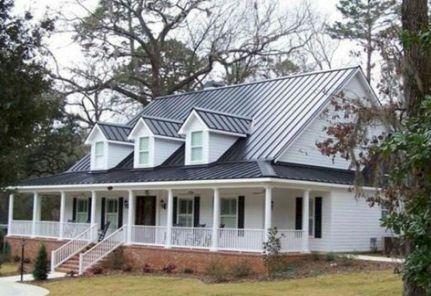 19 Ideas Farmhouse Paint Colors Exterior Metal Roof Farmhouse Exterior Exterior House Renovation Metal Roof Houses