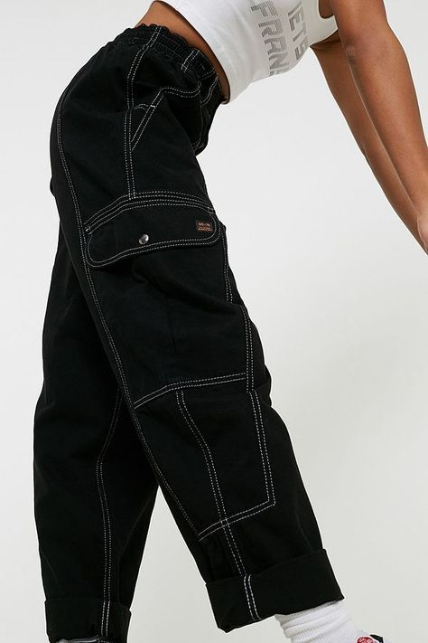 Shop BDG Blaine Black Jeans at Urban Outfitters today. We carry all the latest styles, colours and brands for you to choose from right here. Indie Outfits, Cute Casual Outfits, Retro Outfits, Vintage Outfits, Fashion Outfits, Fashion Tips, Men Fashion, Classy Fashion, Grunge Outfits