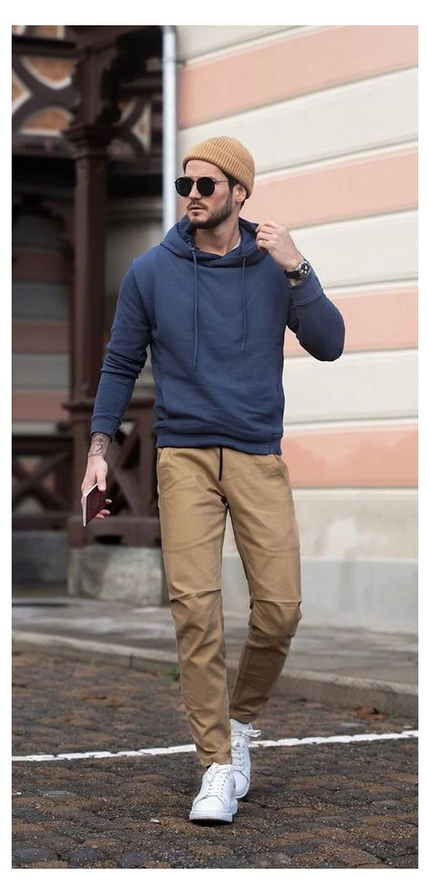 10 Cool Casual Date Outfit Ideas For Men in 2020. #mens #fashion #summer #sporty #mensfashionsummersporty Want to leave a long lasting impression on your date? Want to look good too? So here are 10 Cool Date Outfits for you to woo your women with your dressing skills