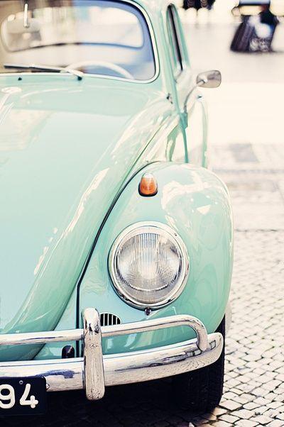 Vintage Beetle. Maravilloso Escarabajo en color aqua...