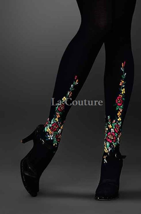 Boho Style Clothing : Items similar to Strumpfhose mit Stickerei on Etsy Floral Tights, Floral Skirts, Winter Mode, Stocking Tights, Mode Vintage, Tight Leggings, Hosiery, Style Me, Boho Style