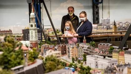 Hamburg Miniatur Wunderland Beliebteste Deutsche Sehenswurdigkeit In 2020 Deutsche Sehenswurdigkeiten Miniaturwunderland Sehenswurdigkeiten Deutschland