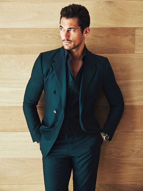 David Gandy in groen pak.