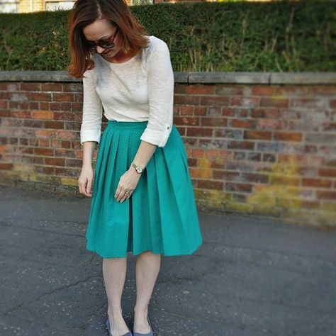 Sew Over It Lizzie Skirt. Trying to ensure all my pleats are straight before photographing!!