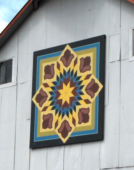 Love this unusual pattern with the diamond in the square. | Barn ... : quilt barn signs - Adamdwight.com