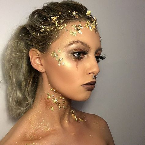 Gold leaf avant garde make up look inspired by metals and minerals look but also by Gustav Klimt's painting 'crying woman' had so much fun doing this!