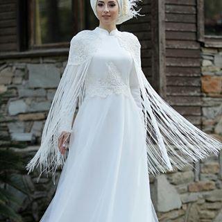 Pelerinli Nikah Elbisesi Ozel Gunlerinizde Size Eslik Edelim Whatsapp Siparis 0505 005 7777 Tesetturmodasi Tesetturgiyi Nikah Victorian Dress Dresses
