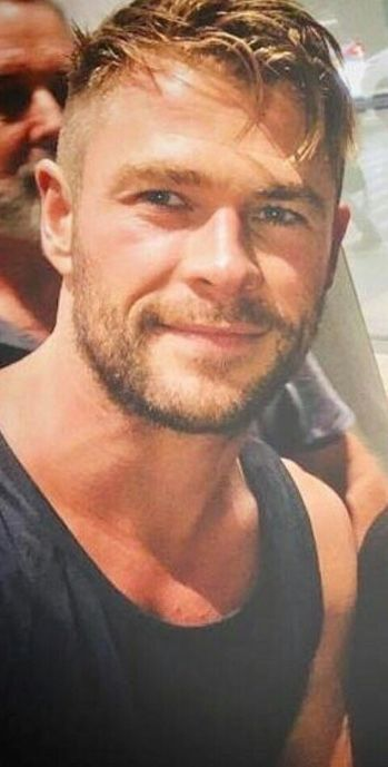 New Haircut Chris Hemsworth In 2019 Chris Hemsworth