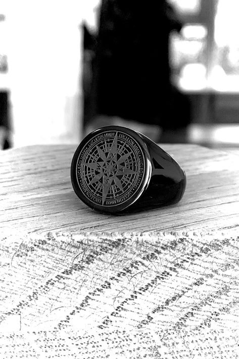 The Black Ryker Ring A gorgeous, subtle compass design has been embossed on the face of this sleek ring. It's not great for navigation, but it'll look awesome paired with your favourite outfit. Made from durable and elegant black surgical steel. Mens Ring Designs, Mens Gadgets, Mode Masculine, Bracelets For Men, Bracelet Men, Schmuck Design, Men Necklace, Black Rings, Fashion Rings