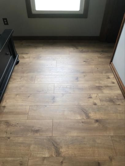 Pergo Xp Riverbend Oak 10 Mm T X 7 48 In W X 47 24 In L Laminate Flooring 19 63 Sq Ft Case Lf000773 The Home Depot In 2020 Laminate Flooring Flooring Oak Laminate Flooring