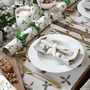 Set of 4 Sophie Allport Christmas Holly Lunch Napkins
