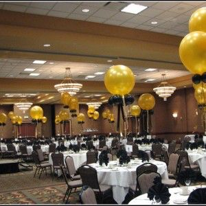 Image From Http Www Wabrownrealtors Com Wp Content Uploads 201 Black And Gold Centerpieces Gold Party Decorations