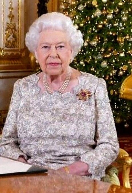The Queens Christmas Message 2019 The Queen's Christmas message 2018..♔.. | Beauty in 2019 | Queen