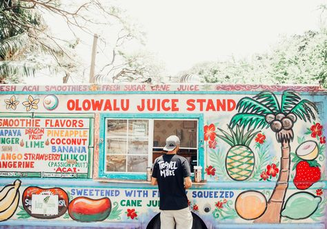 Olowalu Juice Stand | Fruit Stand in Maui | Exploring West Maui | Cute Juice Stand in Hawaii | Travel More | Serengetee Clothing | Traveling Couple | Travel Inspiration | Hawaiian Island Hopping | Hotel Wailea | Weekend In Maui | Guide to Spending The Weekend in Maui | Travel Blogger's Maui Recommendations via @elanaloo + elanaloo.com