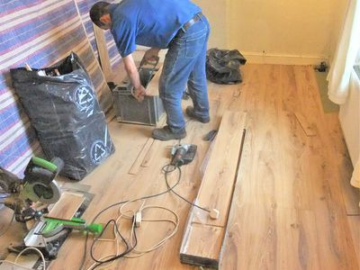 Comparing Laminate Flooring To Engineered Wood Flooring Vinyl Plank Flooring Wood Laminate Flooring Luxury Vinyl Plank Flooring