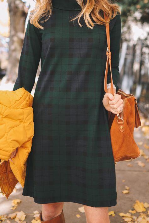 Vintage 80/'s Classic PREPPY PLAID SHIRTDRESS  Unique Linen Like Fabric  Side Zip Pocket  Shoulder Pads