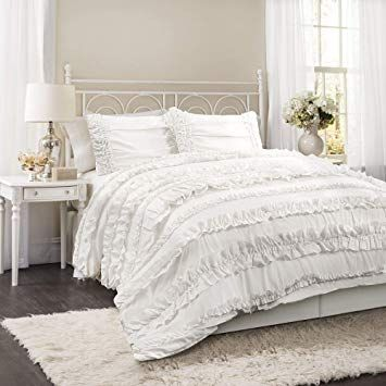 32 Comfortable Yet Elegant Shabby Chic Bedroom Ideas Adults Chic White Bedding Chic Comforter Shabby Chic Comforter