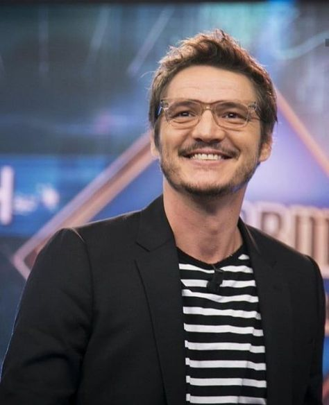 "i stan pedro pascal 🇨🇱 on Instagram: ""his smile just– . . . . #pedropascal #josépedrobalmacedapascal #actor #catfish Source by joselyn6713"