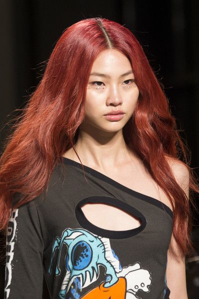 Jeremy Scott, Spring 2018 - Swoon-Worthy Hair and Beauty Trends at NYFW Spring 2018 - Photos