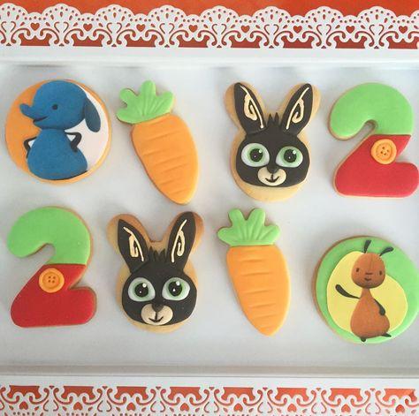 Bing Party  Biscotti a tema #bingbunny per il secondo compleanno di Valentino!  #cakedesign #cakedesigner #cakelovers #cakebaker #ilovecake #ilovecakedesign #instacakers #cakes #cakedecorating #tortedecorate #buttercreamcake #nonsolopastadizucchero #fondantcake #torteapiani #sweettable #sweetideas #sweettableideas #partyideas #babyparty #pastadizucchero #biscottidecorati