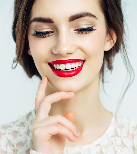 Best red lipsticks and red fruit samples - Our Top 10 The Berry lipstick shades are very versatile and are often suitable for a wide range of skin tones. They can range from dark shades to significantly l.