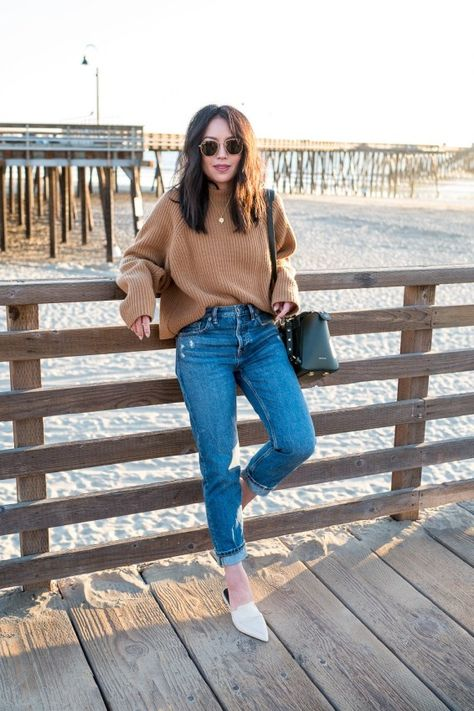 Oversized Sweater + Mom Jeans