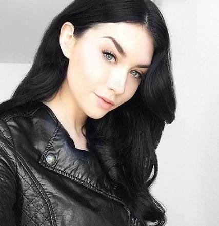 36 Trendy Ideas Fashion Black Hair Faces Dark Hair Pale Skin Hair Color For Black Hair Black Hair Pale Skin