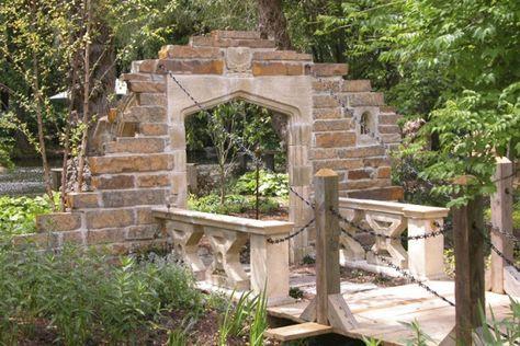 Gartenruine mit Zugbrücke - Langford Bridge bei Gartentraum.de nur ...