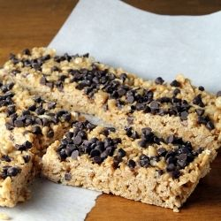 A classic combination - peanut butter and chocolate - in easy to eat bar form in 5 minutes!
