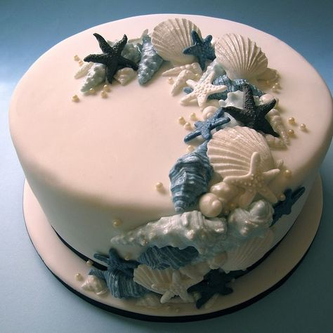 beach themed cakes   Beach Themed Wedding Cake - Middle Tier   Flickr - Photo Sharing! #themedcakes