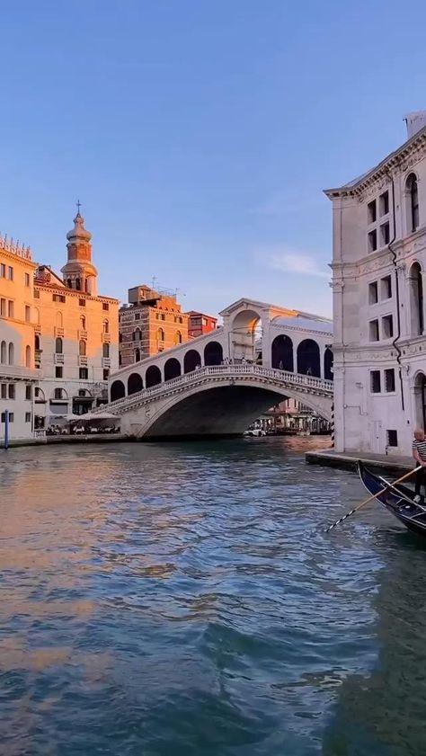 Disfruta del lujo y la exclusividad con la agencia de viajes personalizados Viajes Elan. Tu boda en Venecia. Viajes personalizado para vivir tu sueño. Deja que te guiemos en tu viaje. #viajeselan #luxurytravel #boda2021 #boda #novios2021 #novios #novios2021 #lunademiel #viajedenovios #novia #luxury #paradise #Honeymoon #Venecia #honeymoondestination #Venice #Italia #Italy #gondola 📸@alexpreview