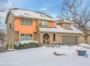 4011 Sw 32nd St Des Moines Ia 50321 Zillow House Styles