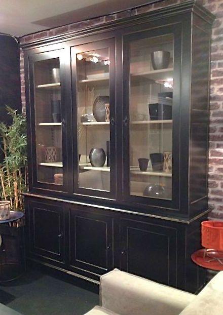 Bibliotheque Noir En Chene Massif Pour Un Chic Absolu Made In France Coup De Soleil Mobilier Bibliotheque Meuble Vaisselier Meuble Vitre Relooker Meuble