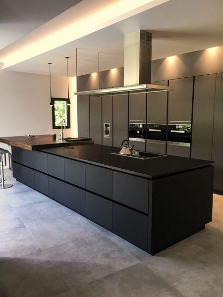 KH Küche Beton Anthrazit \/ Nussbaum furniert KH kitchen concrete - möbel martin küchen