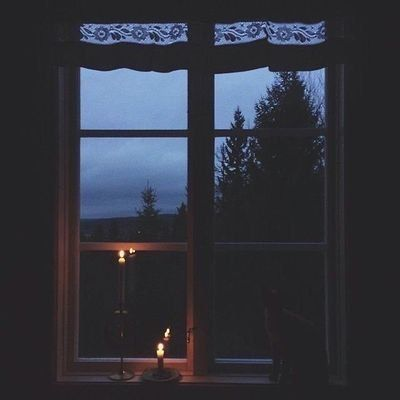 رنا الحربي On Twitter ياجمال الليل والدنيا مطر مطر غزير Window View Through The Window Night Aesthetic