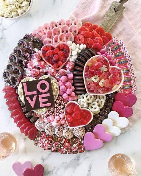 This stunning board is what every Valentine's Day party needs. Mix and match you… This stunning board is what every Valentine's Day party needs. Mix and match your favorite gummy candies, chocolate covered pretzels and sprinkled, frosted cookies! Valentines Day Food, Valentine Treats, Holiday Treats, Holiday Recipes, Valentine Party, Easter Recipes, Valentines Recipes, Valentine Cupcakes, Valentines Day Chocolates