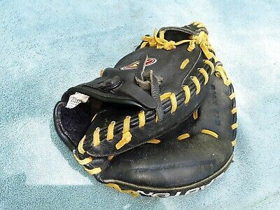 Advertisement Ebay Easton Black Magic Bmx21b All Leather Glove Catcher Mitt Right Hand Youth 10 In 2020 Leather Glove Vintage Baseball Gloves Rawlings Catchers Mitt