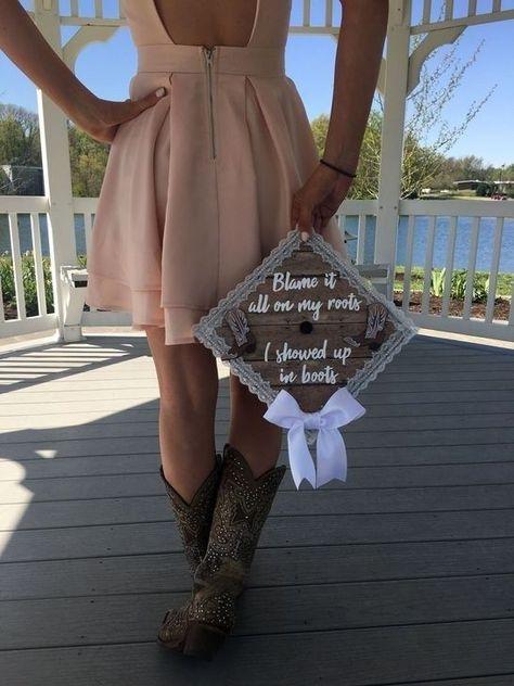 50 Gorgeous College Graduation Outfits Ideas For Women - #College #Gorgeous #Gra...