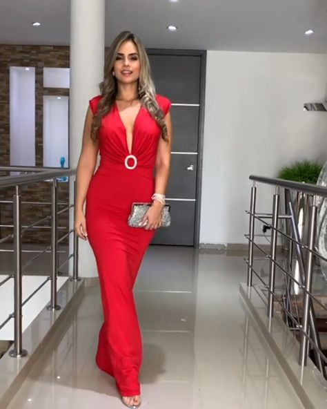 Elegant Red Sleeveless Trumpet Evening Maxi Dress / Long Gown with Deep V-Neck Cut @ Boutique Peppet
