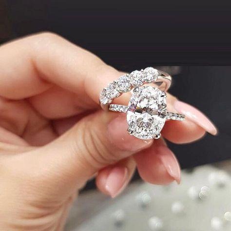 Oval Shape Cz 14k White Gold Plated 925 Sterling Silver Bridal Wedding Ring Set Diamondweddingrings Cool Wedding Rings Wedding Rings Oval Wedding Rings Unique