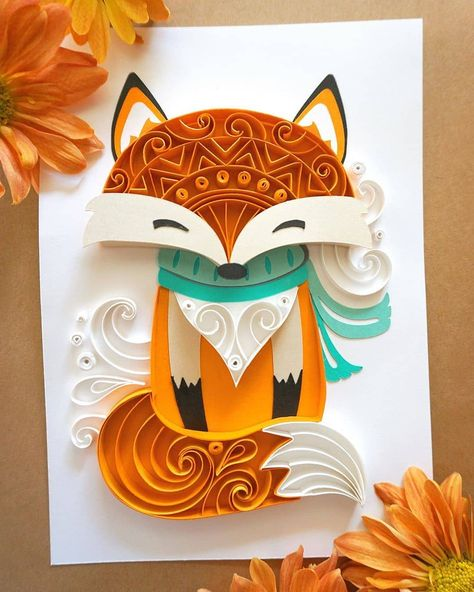 Bundled up and ready for the chilly Fall weather. 🦊 Happy Sunday, Everyone! Neli Quilling, Paper Quilling Cards, Paper Quilling Patterns, Origami And Quilling, Quilled Paper Art, Quilling Craft, Paper Crafts Origami, Quilled Roses, Quilling Comb