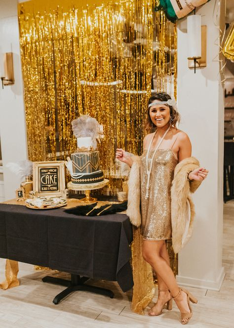 How to throw a Great Gatsby Themed Party · Haute Off The Rack Source by andreareimerar party outfit women Roaring 20s Birthday Party, Great Gatsby Themed Party, 30th Birthday Parties, The Great Gatsby, Cake Birthday, Themed Parties, Themes For Parties, 1920 Theme Party, Birthday Party Outfit Women