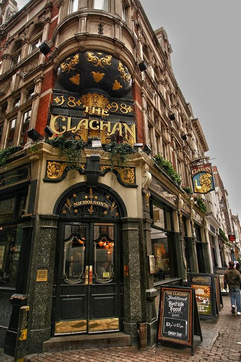 The Clachan Pub, Kingly Street, London, England. Dublin Pubs, London Pubs, Old London, London Places, Old Pub, British Pub, Beautiful Places To Travel, London Life, Architecture