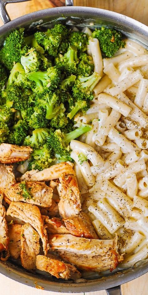 Creamy Chicken Broccoli Alfredo Pasta
