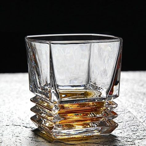 Whiskey Glass Set of 2 Crystal 2-Piece Whisky Set Sophisticated Set of Hand Crafted Tumblers Beautiful Square Whiskey Glass set Bourbon Scotch for Whiskey 2 Old Fashioned Rocks Glasses
