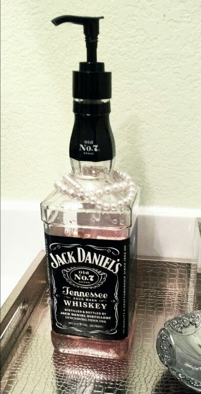 Diy Jack Daniels Soap Dispenser Just Add An Old Lotion Pump On Empty Liquor Bottle Pearls For Extra Glam Jacke Flaschen Pinterest