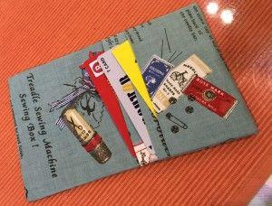 折って縫うだけ 布の簡単カードケース カードケース 作り方 裁縫箱 手作り 小物