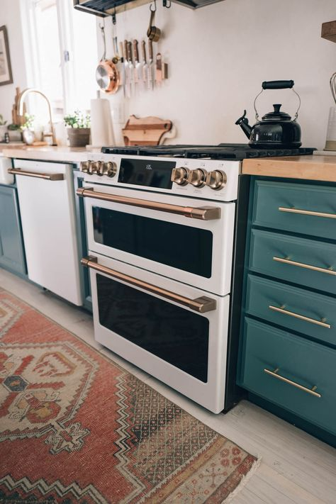 No more boring appliances, customize your kitchen with @cafeappliances Pictured is the Dual-Fuel Double Oven with Convection Range in Matte White with Brushed Bronze Hardware in Jess Kirby's kitchen cafeappliances.com #CafePartner #CafeCollective