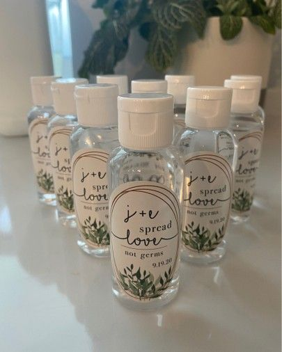 Wedding Gifts For Guests, Diy Wedding Favors, Wedding Tips, Fall Wedding, Our Wedding, Wedding Planning, Dream Wedding, Diy Wedding Souvenirs, Wedding Hands